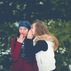 Evita chismes en tus artículos de blog
